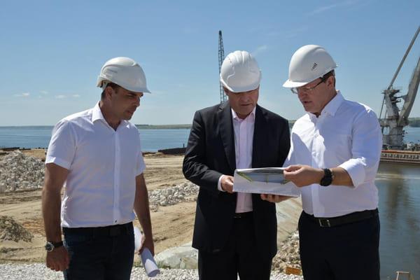 Дмитрий Азаров и Игорь Комаров оценили ход строительства моста у Климовки и автодороги «Тольятти-Ягодное» | CityTraffic