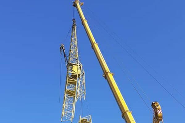В Тольятти демонтировали опасный стройкран | CityTraffic