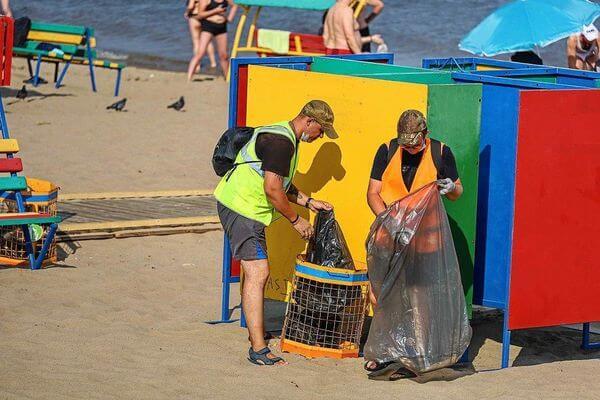 С пляжей Самары вывезено 200 кубометров мусора | CityTraffic