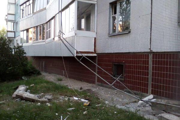 В Тольятти автокран повредил 4 балкона | CityTraffic