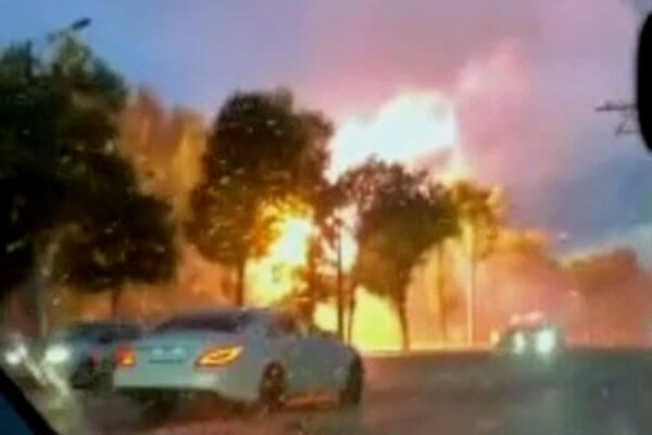 Жители Самары сняли на видео, как молния попала в ЛЭП | CityTraffic