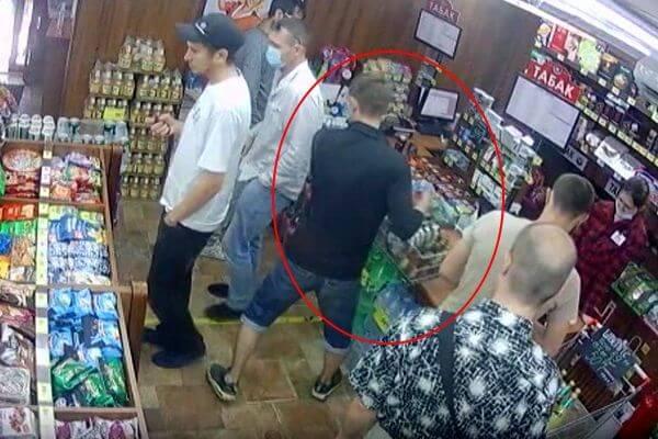 Автослесарь из Самары пытался похитить чужую корзину в магазине: видео   CityTraffic