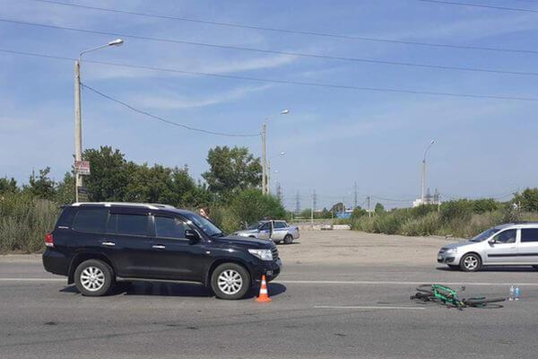 В Самаре велосипедист попал под колеса внедорожника | CityTraffic