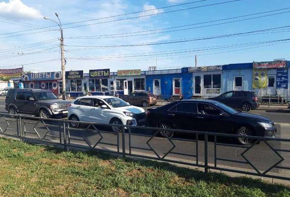 Годовалый мальчик пострадал в столкновении Лэнд Ровера, Икс-Рея и Тойоты в Самаре | CityTraffic