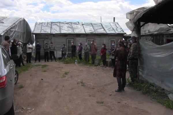 В теплице на территории Самарской области полиция нашла 15 нелегальных овощеводов | CityTraffic