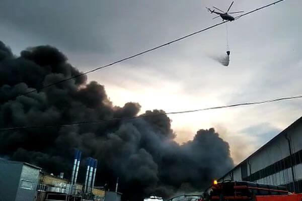 На складе ПВХ в Самаре огнем пройдена площадь 10 тысяч квадратных метров   CityTraffic