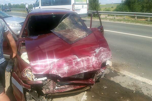 Три человека пострадали в столкновении двух автомобилей в Самарской области | CityTraffic
