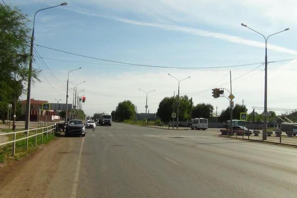 Пожилая пассажирка погибла в столкновении двух иномарок в Самарской области | CityTraffic