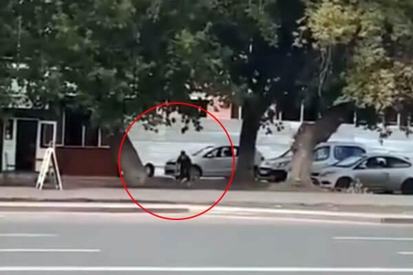 Житель Самары остановил собой колесо, отлетевшее у автомобиля: видео | CityTraffic
