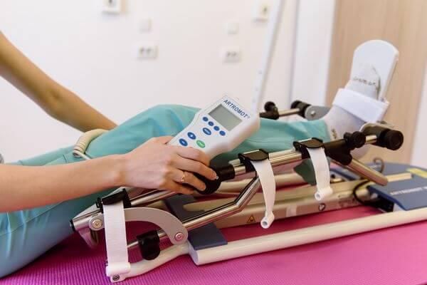 В Тольятти пациентам с проблемами движения медики помогают на дому | CityTraffic