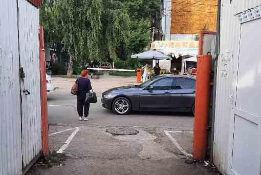 В Самаре водитель BMW сбил 9-летнюю девочку на самокате | CityTraffic