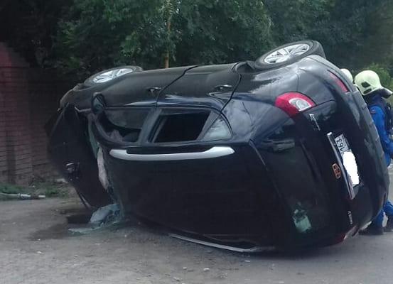 Водитель и пассажир автомобиля Geely погибли в ДТП на улице Макаренко в Самаре | CityTraffic