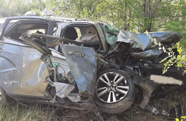 Водитель автомобиля «Лада Веста» и его 10-летний пассажир погибли в ДТП в Самарской области | CityTraffic