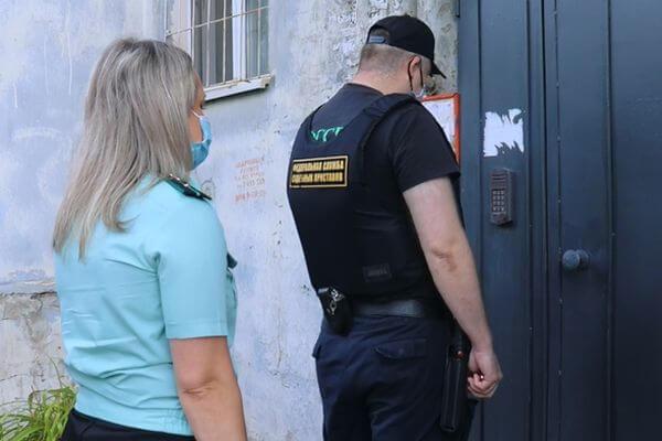 Жильцы жилого дома в Самаре не пускали женщину к ее собственности | CityTraffic
