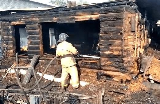 Пожар в Железнодорожном районе Самары, где горели 10 домов, локализован: видео | CityTraffic
