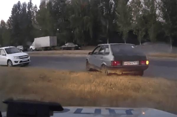 Подросток купил машину и катался на ней по Тольятти, пока его не поймали полицейские: видео | CityTraffic