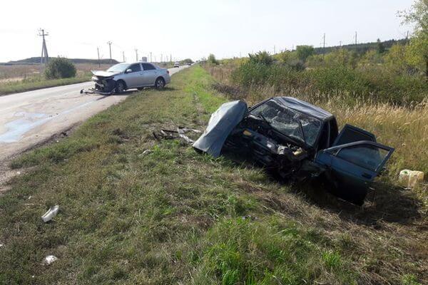 """Под Тольятти пострадал водитель """"Приоры"""", которую отправила в кювет """"Тойота""""   CityTraffic"""