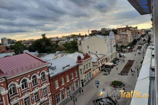 Солисты самарского театра оперы и балета пели и танцевали на крыше ТЦ: видео | CityTraffic