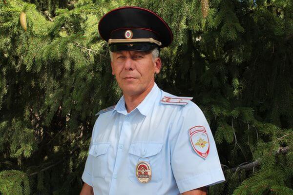 Участковый Самарской области спас грибника, который потерялся в лесу   CityTraffic