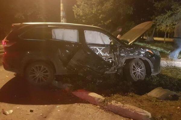 Два человека из грузовой ГАЗели пострадали в столкновении с японским внедорожником в Самаре | CityTraffic