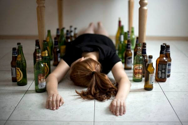 Родители-алкоголики из Отрадного не кормили маленькую дочь и не водили ее к врачу | CityTraffic