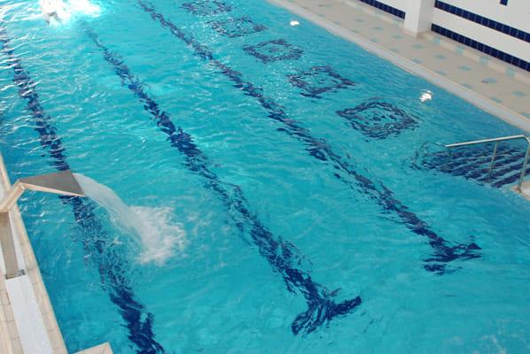 Специалисты Роспотребнадзора искали COVID-19 в пробах воды из бассейнов и аквапарков, но не нашли | CityTraffic