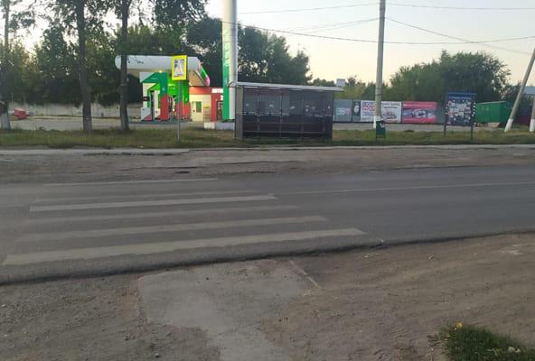 В Самаре «Мерседес» сбил 18-летнего юношу, который переходил дорогу по пешеходному переходу | CityTraffic