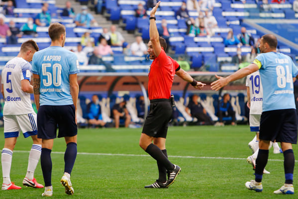 В РФС признали, что судья ошибочно назначил пенальти в ворота «Крыльев Советов» в матче с «Оренбургом» | CityTraffic