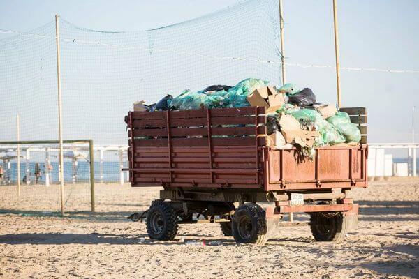 В Самаре мусор с пляжей вывезут за 789 тысяч рублей | CityTraffic