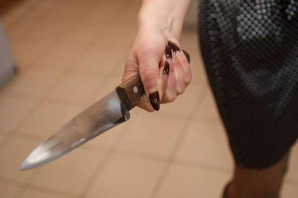 Жительница Самары ударила мужа в шею ножом, не выдержав его измен | CityTraffic