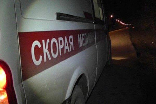 В Самаре трамвай сбил женщину, которую ударом отбросило на автомобиль | CityTraffic