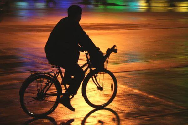 Житель Тольятти попросил у земляка велосипед прокатиться и угнал его | CityTraffic