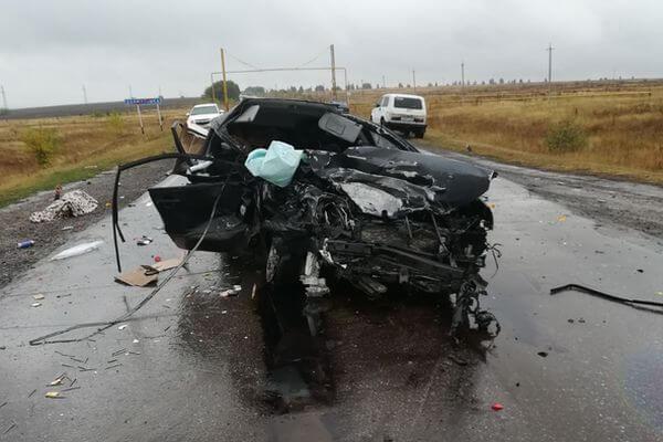 Четыре человека погибли в автокатастрофе в Самарской области | CityTraffic