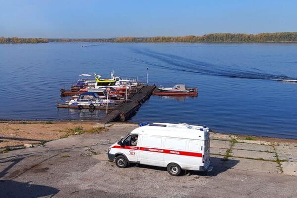 Спасатели 4 раза за день переправляли пострадавших из Рождествено в Самару | CityTraffic