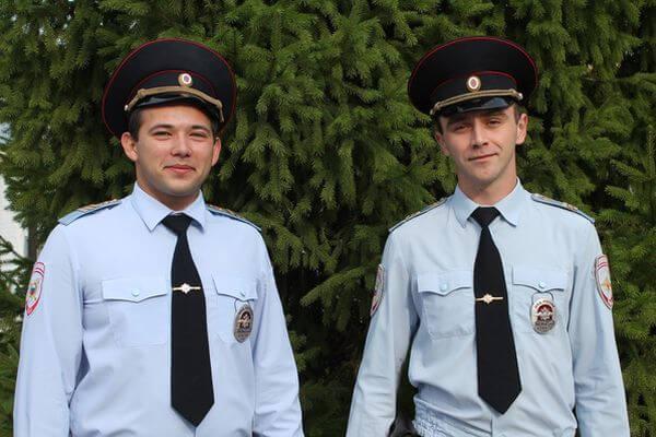 Полицейские спасли двух девушек ночью из глухой чащи в Самарской области | CityTraffic