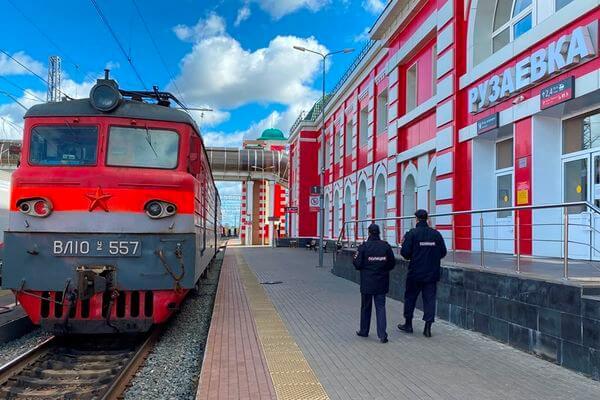 Жителя Самарской области  сняли с поезда в Мордовии за пьяный дебош | CityTraffic