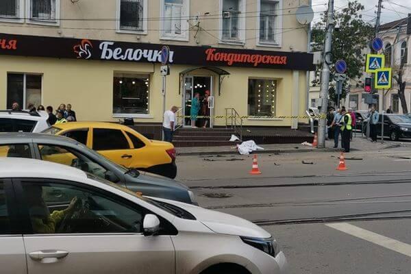 В Самаре погибла женщина, на которую отбросило автомобиль   CityTraffic