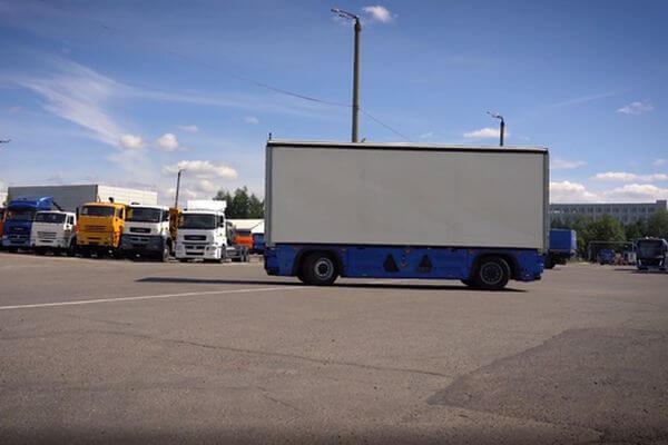 Ни руля, ни кабины, ни водителя нет в новом грузовике КАМАЗ: видео | CityTraffic