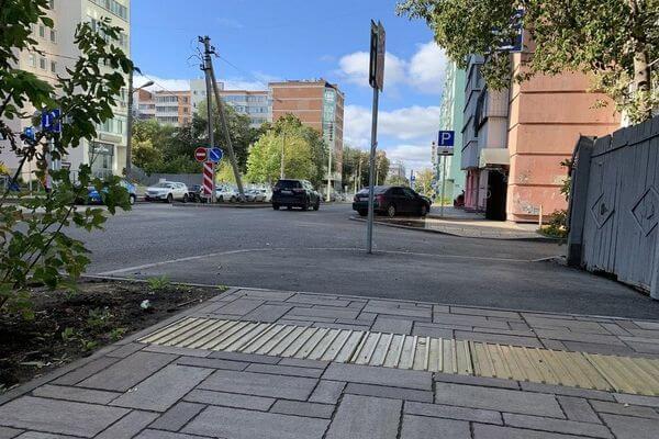 На  отремонтированной улице Ленинской в Самаре просела плитка | CityTraffic