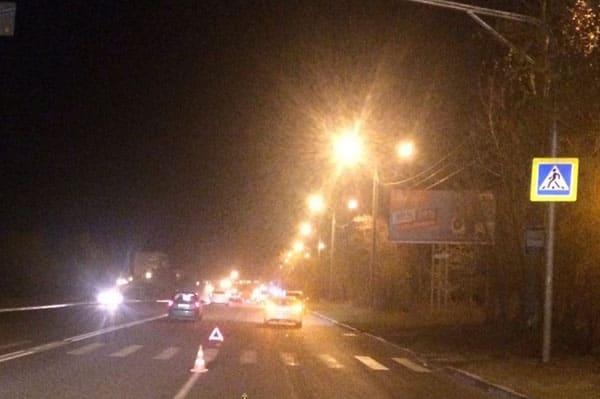 В Тольятти два пешехода попали под колеса «Мерседеса», один из них скончался вбольнице
