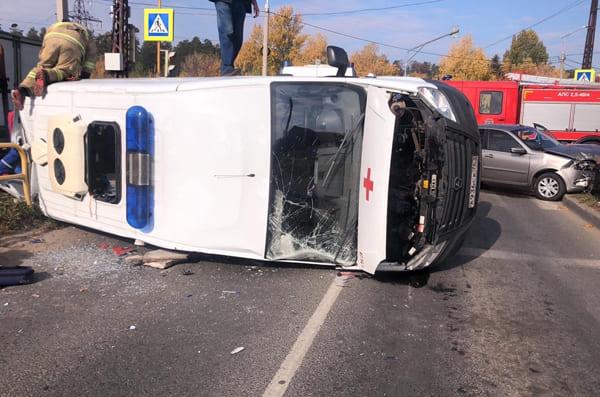 В Тольятти после ДТП с участием машины скорой помощи скончался пациент, которого медики везли в больницу | CityTraffic