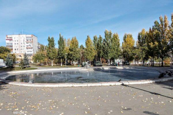 Озеро в парке Победы в Самаре покрылось белой пленкой | CityTraffic