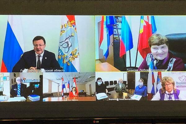 В День пожилых людей губернатор Самарской области провел встречу с общественниками серебряного возраста | CityTraffic