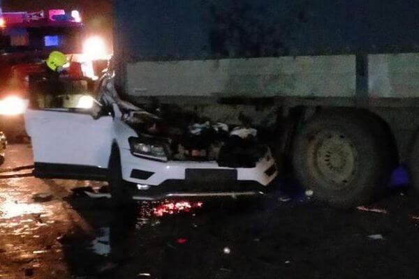 В Тольятти столкнулись грузовик и три легковушки, погиб один человек | CityTraffic