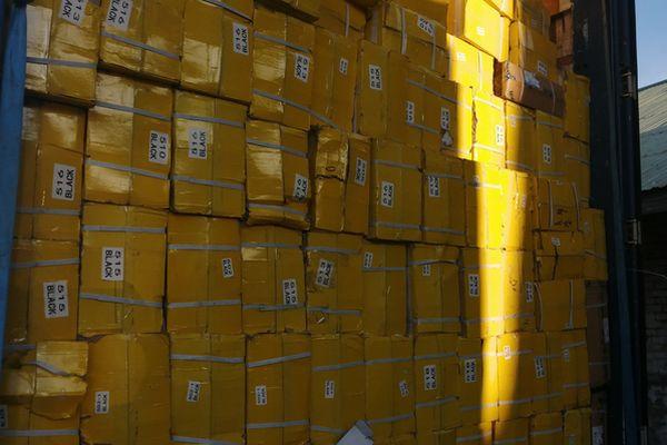 Обувь без маркировки на 137 тысяч долларов передали таможенники Самары в полицию | CityTraffic