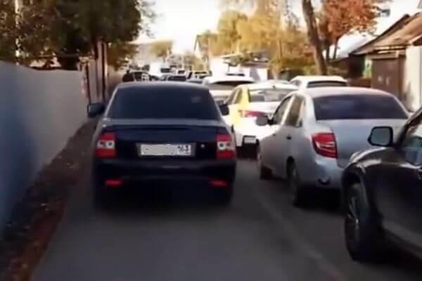 Водителя из Самары оштрафовали за то, что объезжал пробку по тротуару | CityTraffic