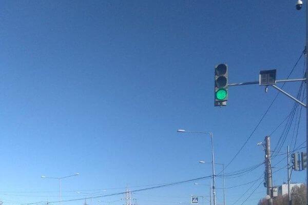 В Самаре заработал светофор на улице Ново-Садовой у завода им. Тарасова | CityTraffic