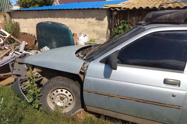 Ночной гость угнал у селянки машину при помощи отвертки и продал ее за 5 тысяч рублей | CityTraffic