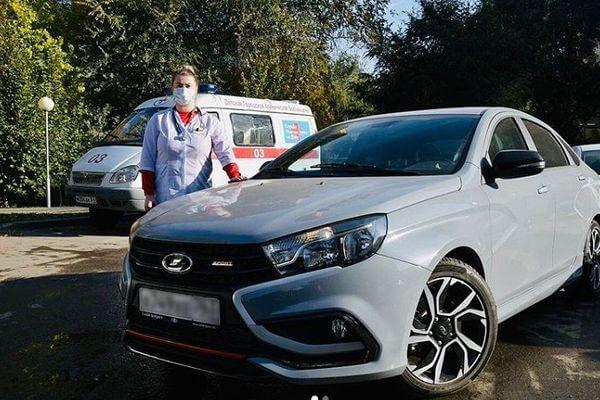 В Самарской области врачи пересаживаются на автомобили  чиновников, чтобы быстрее выезжать на вызовы | CityTraffic