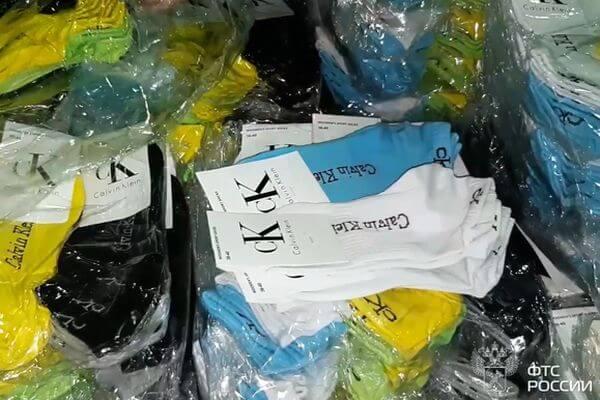 Поддельные носки Calvin Klein и Gucci на 400 млн рублей не пустили в Москву из Казахстана таможенники Самары | CityTraffic
